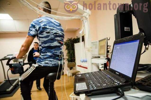 Scientists Chelyabinsk University have created a t-shirt, measures a non-contact ECG