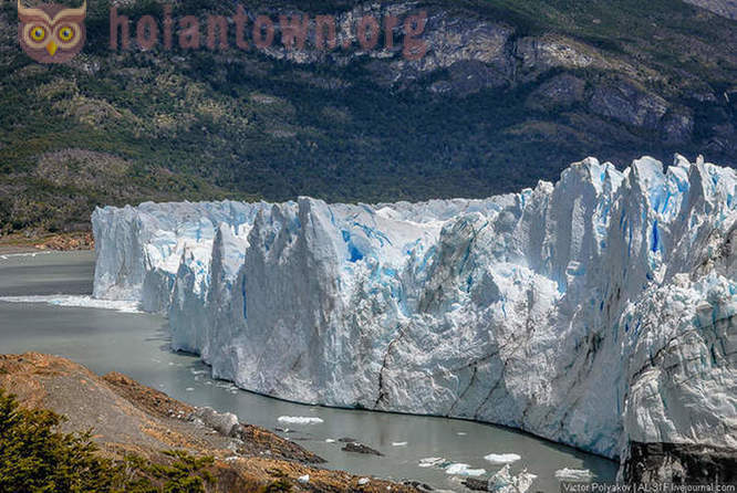 The journey to the glacier Perito Moreno