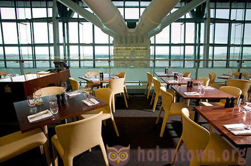 10 best restaurants at airports
