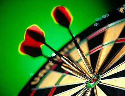 Terms darts: account, the target resolution and the distance to it. Photo